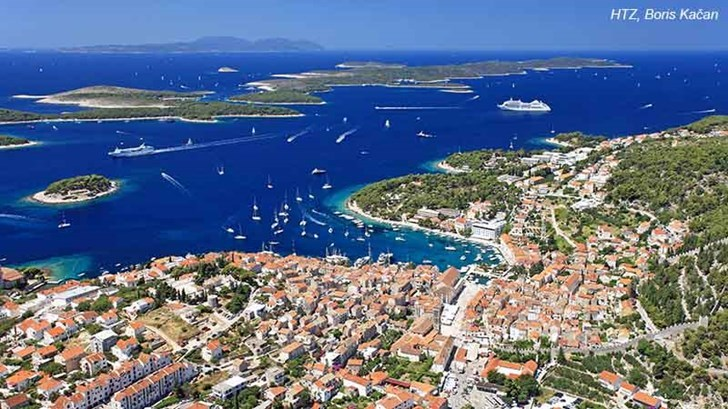 https://www.bluesunhotels.com/EasyEdit/UserFiles/PageImages/hvar/hvar-635974338257072900-3_728_409.jpeg
