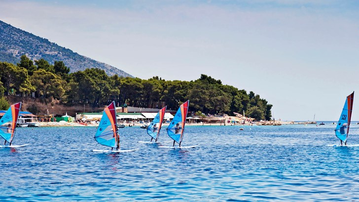Surf & Spa Zlatni rat